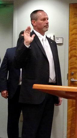 Jeff Gadman Sworn in to Lacey City Council